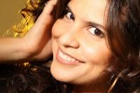 """Aline Barros: """"Ressuscita-me"""" é alvo de análise de pastor"""