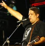 """Fernandinho participa do quadro """"Tem um Cantor Gospel lá em Casa"""" no Programa da Eliana"""