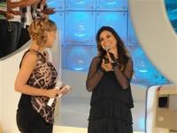Aline Barros é homenageada no programa da Eliana