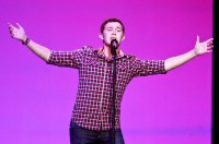 Cantor evangélico vencedor do American Idol diz que novo álbum terá canção gospel