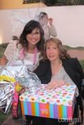Aline Barros: convidadas customizam roupinhas em chá de bebê da cantora