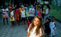 Cantora Flordelis, mãe de 50 filhos, recebeu homenagens pelo dia das mães