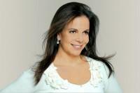 Sula Miranda depois de gravar música gospel volta aos palcos da música sertaneja