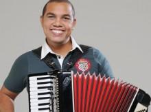 Sandro Nazireu contrata empresa para assessorar sua carreira