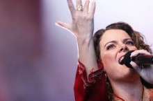 Fãs fazem campanha para que Ana Paula Valadão seja a intérprete do Hino Nacional na abertura das Olimpíadas de 2016
