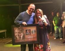 """Shirley Carvalhaes recebe Disco de Ouro pelo CD """"O Tempo de Cantar Chegou"""""""