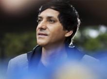 """Joe Vasconcelos anuncia lançamento de seu terceiro CD, """"None Like You"""""""