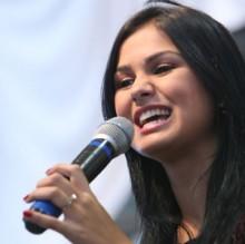 Bruna Olly anuncia lançamento de seu novo CD, com produção de Thalles Roberto