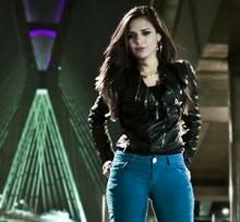 """""""Sou Assim"""": Israela Claro grava clipe com Lito Atalaia; Assista ao teaser"""