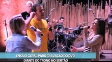 """Diante do Trono divulga bastidores da produção e gravação do álbum """"Tu Reinas""""; Assista"""