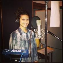 Novo CD de Aline Barros terá um coral de 500 vozes; Cantora já iniciou gravações
